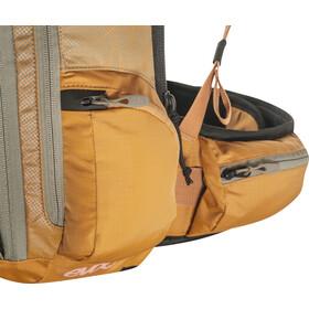 EVOC FR Trail Protector Backpack 20l Women, light olive/loam